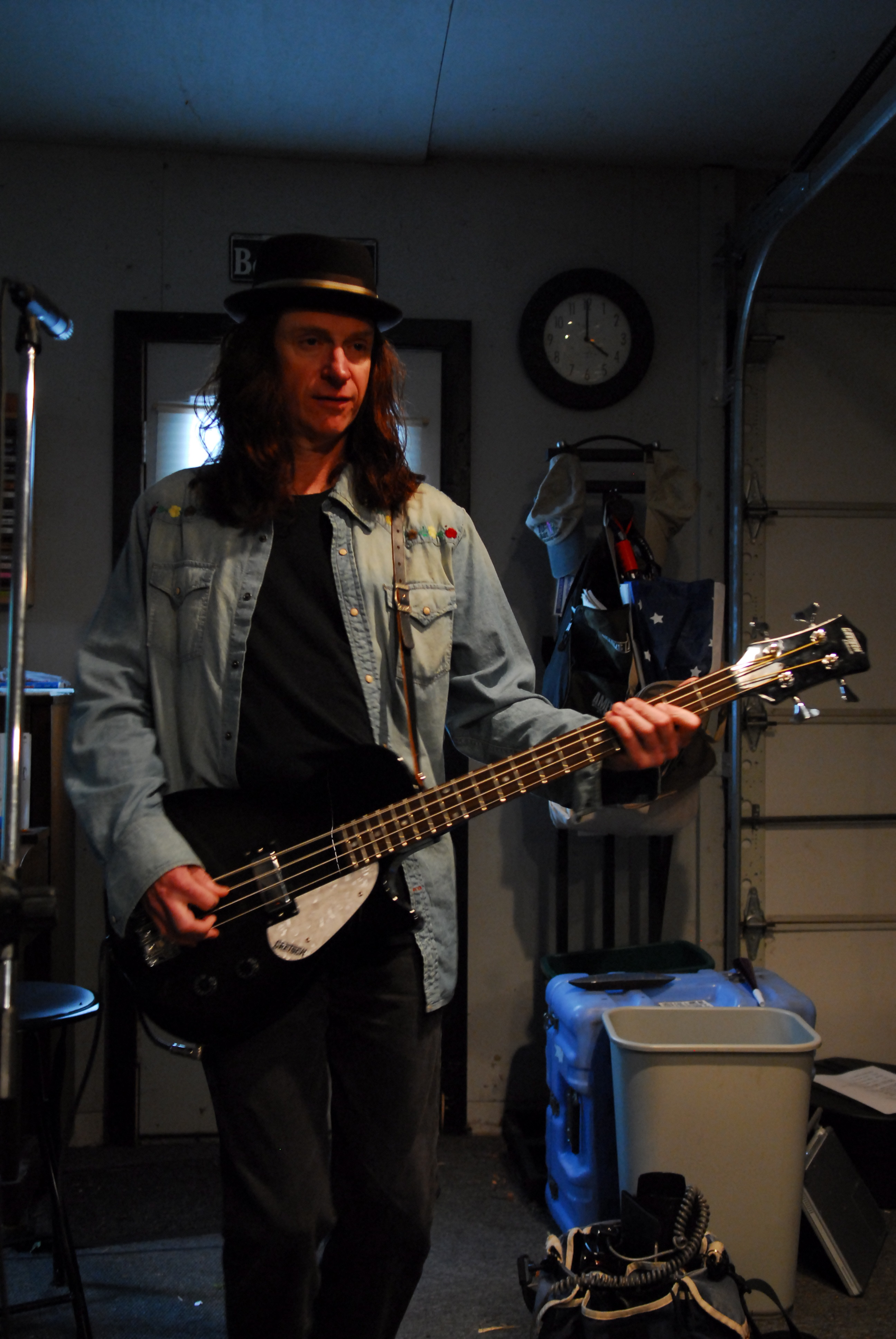Keith w Gretsch bass